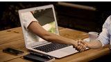Handschlag durch Computer